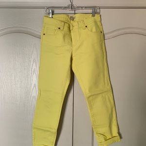 CAbi STYLE# 760 Limon Bree Yellow Cropped Capri